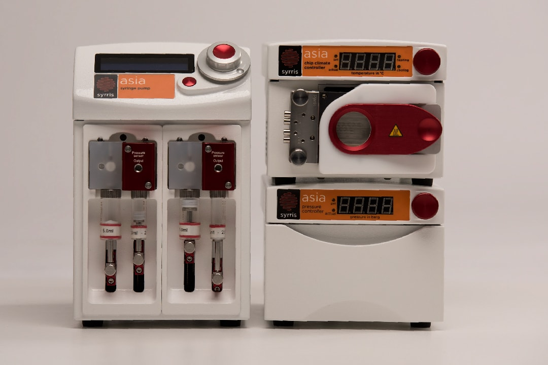 Asia Flow Chemistry Starter System with Chip Climate Controller